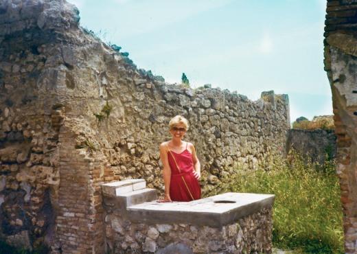 sec_13_pompeii2-CC121026