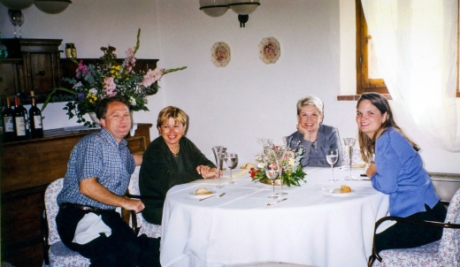 Rob Warner, Nancy Harris, Candace and Nancy Brussat in a Tuscan restaurant in Montefelonico – Nancy waiting for the arrival of her ribollita